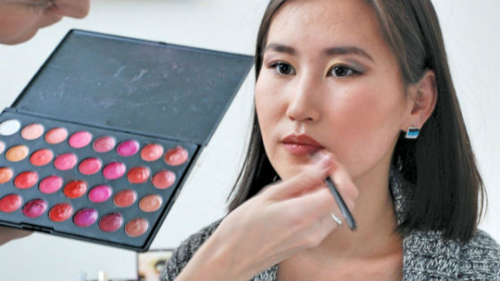 Due to the peculiarities of Asian appearance, the right choice of cosmetics is especially important