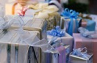 What to give to the wedding for the newlyweds?